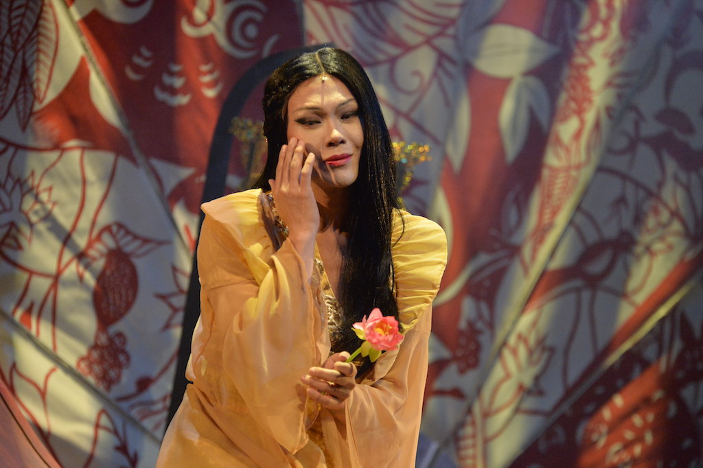 """REVIEW: It's a feeble, flawed """"M  Butterfly"""""""