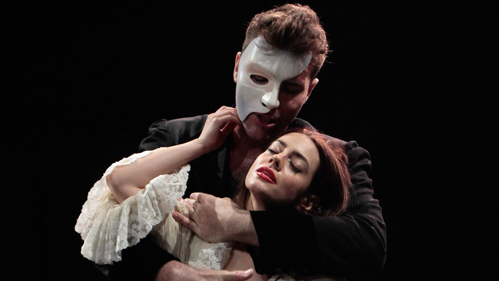 first look the phantom of the opera cast performs think of me the music of the night. Black Bedroom Furniture Sets. Home Design Ideas